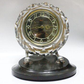 Часов настольных стоимость механических ссср настенные продам часы